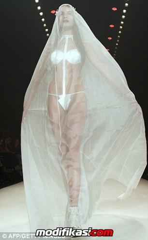 Открытые платья